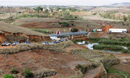 Reportage photo par Ymagoo : inauguration du pont et lancement officiel du chantier de la centrale hydroélectrique de Farahantsana